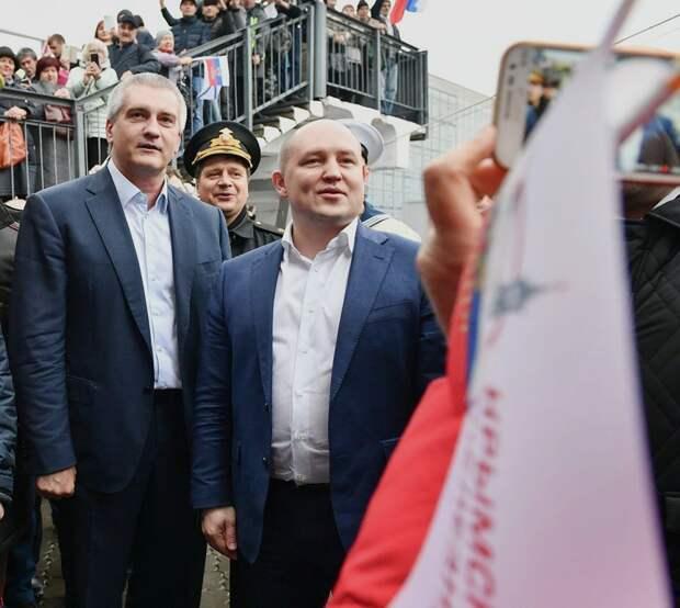 Аксенов и Развожаев не верят в катастрофу из-за падения рубля