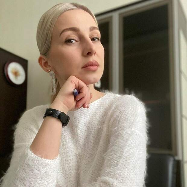 Что по мнению парикмахеров добавляет женщине возраст