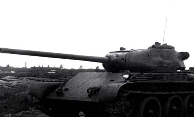 Т-44 должен был стать мощнее Т-34, но машина до фронта не доехала