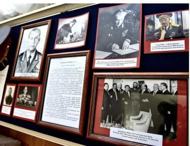 В Академии МВД открылась выставка «История Академии в лицах»