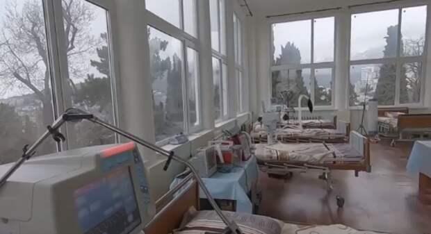 Борьба с COVID-19: Более 500 человек в Крыму получили помощь от военных медиков