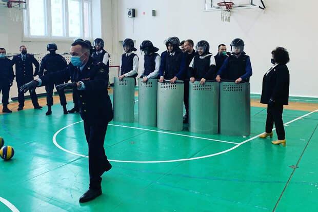 Врио главы УМВД в Нижневартовске уволили после урока с «акцией протеста»