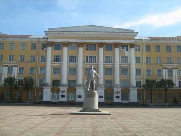 Tver_military_academy.jpg