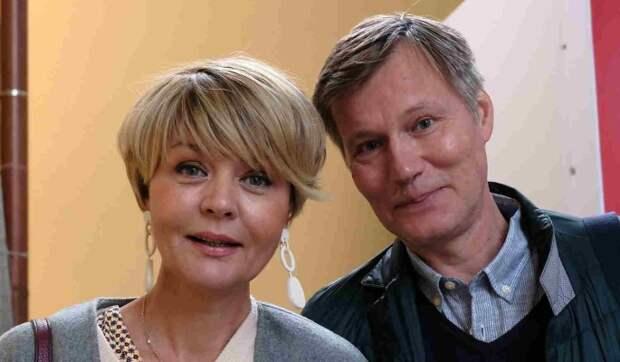 «Любовь и голуби»: Юлия Меньшова вывалила подробности развода с мужем