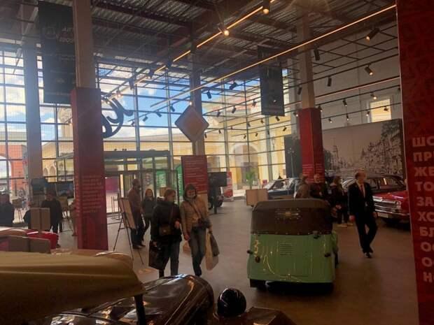 Петербуржцы меняют мнение о машинах СССР после посещения бесплатной выставки