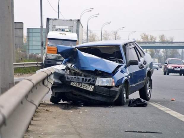 Аварии на российских дорогах: ДТП – меньше, погибших – больше