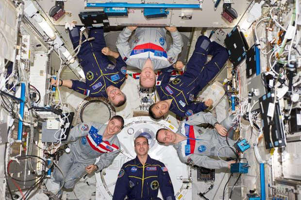 """NASA бьёт тревогу: """"Как так получилось?"""" — на МКС путь закрыт, Россия не поможет США"""