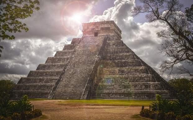 Почему древние жители Мезоамерики возводили пирамиды