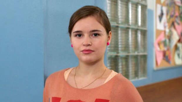 Звезда «Физрука» Полина Гренц призналась, что страдала анорексией и булимией