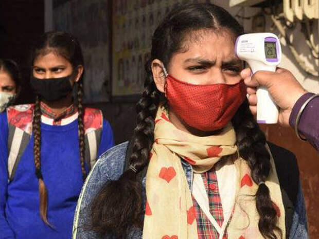 Экстремальный всплеск: в Индии COVID-19 за сутки заразились 300 тысяч человек