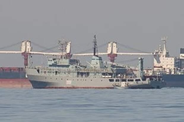 В Чёрном море терпит бедствие украинский корабль