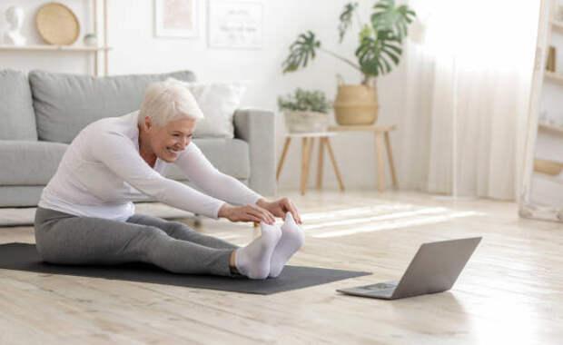 Йога в режиме «онлайн» стала доступной для пенсионеров из Бабушкинского