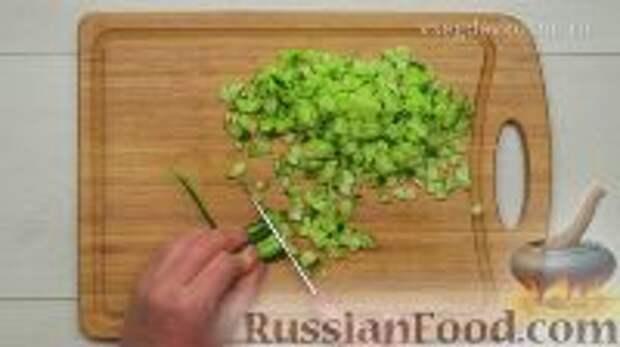 Фото приготовления рецепта: Ботвинья - шаг №4