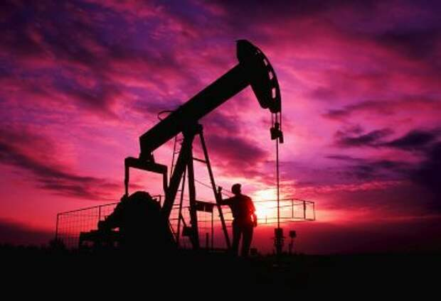 Мировые цены на нефть в пятницу вечером перешли к росту