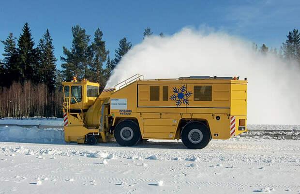 Шнекороторная снегоуборочная машина Overaasen TV 2000