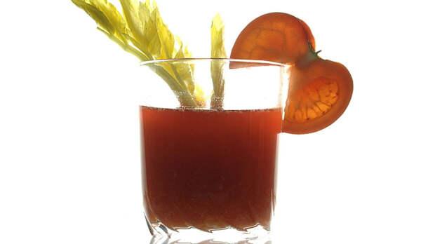 Испанские ученые определили пользу томатного сока для сердца