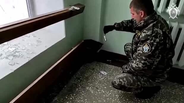 В Перми следователи осматривают место происшествия, допрашивают свидетелей. На...
