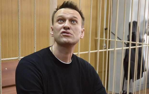 Навальный или Путин – кто пытается запугать и обмануть народ России