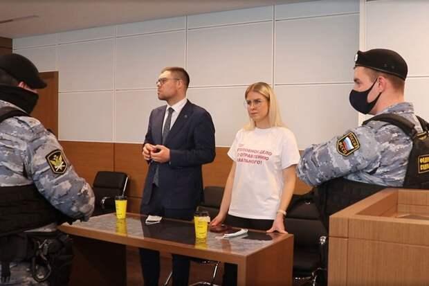 Суд приговорил Любовь Соболь к году исправительных работ