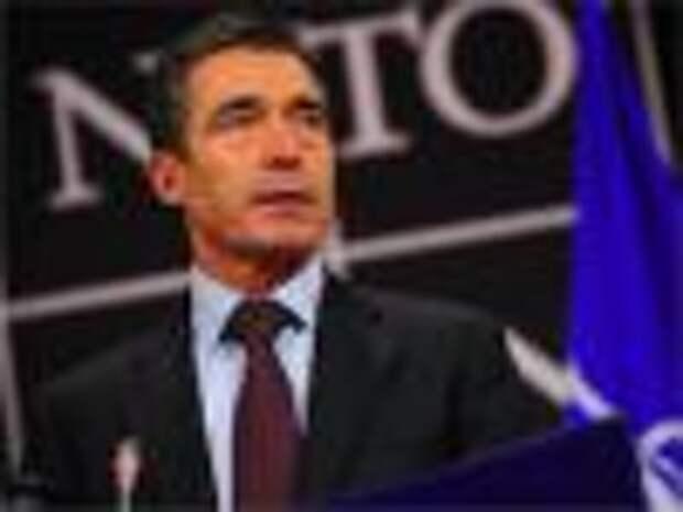 Расмуссен: НАТО не будет урегулировать ситуацию в Ираке