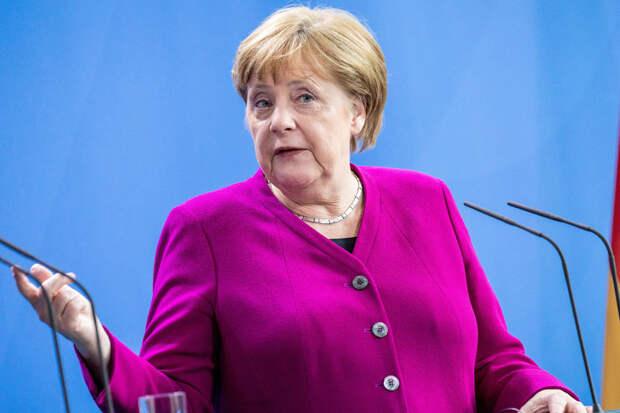 Меркель призвала Россию расследовать обстоятельства отравления Навального