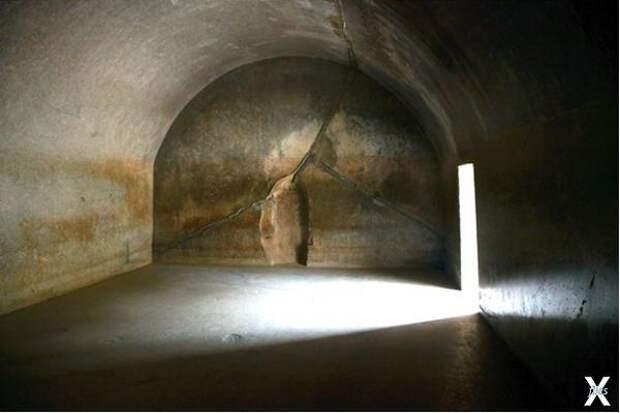 Внутри пещер Барабар