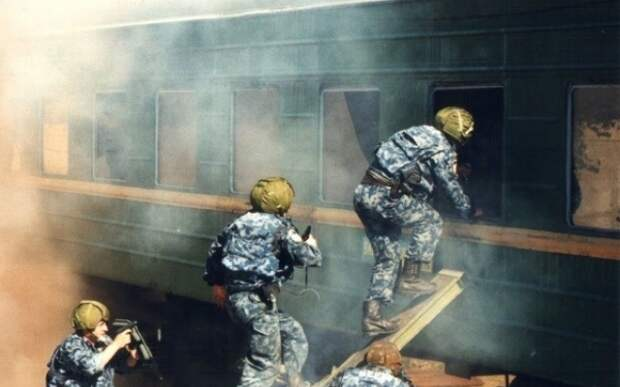 Уникальные снимки украинской милиции 90-ых.