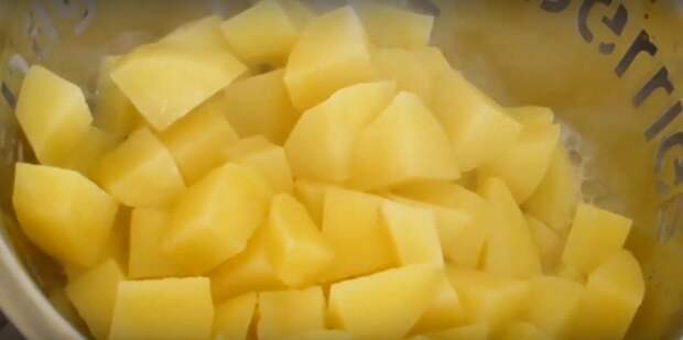 """5 божественных салатов из редиса, чтобы """"нагрузиться"""" витаминами и не остаться голодными"""