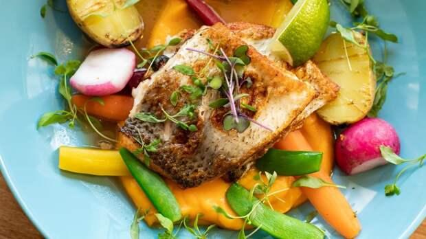 Рыба, яйца и грибы помогут нормализовать уровень витамина D в организме осенью