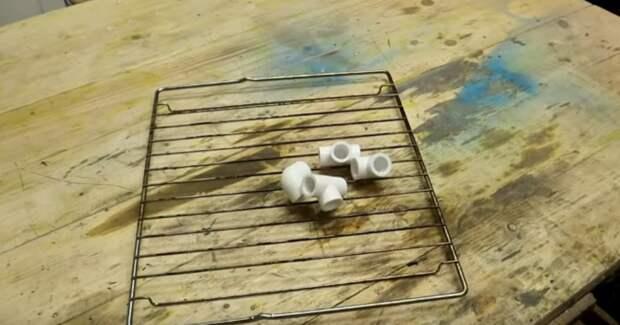 Лучше не придумать: полезное и крайне простое в изготовлении приспособление из старой решетки от плиты
