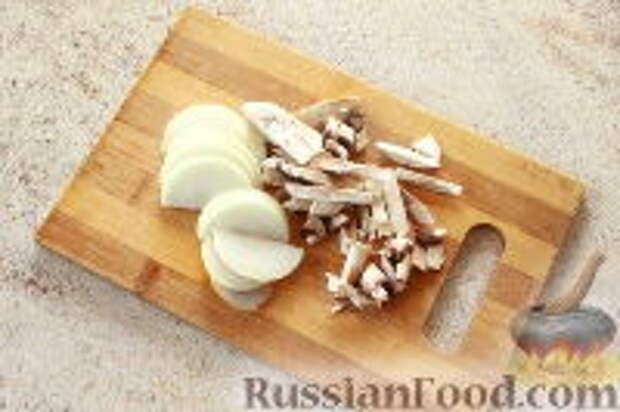 """Фото приготовления рецепта: Салат """"Ласточкино гнездо"""" - шаг №3"""