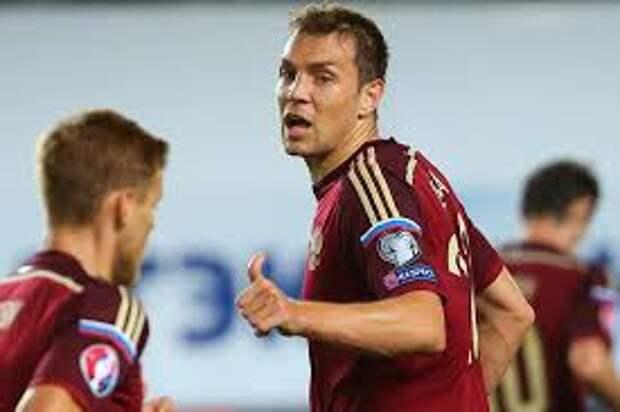 Андрей ТИХОНОВ: Да, в сборной есть Смолов и Соболев, но играть все равно будет Дзюба, как бы Черчесов к нему не относился
