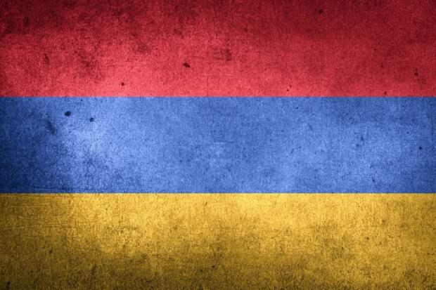 Армен Саркисян отказался увольнять главу Генерального штаба Армении
