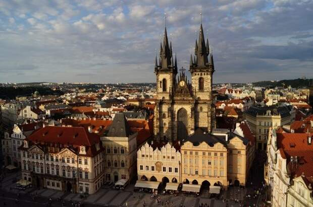 Премьер Чехии заявил, что Прага не хочет обострения отношений с Москвой