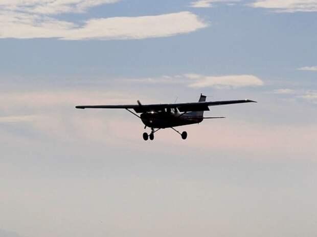 На Аляске пропал экскурсионный самолет, на борту которого находились шесть человек
