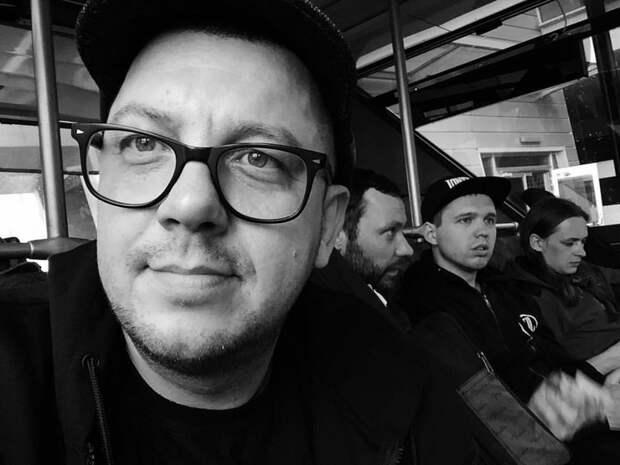 Бобунец и «Мураками» споют силачам в Севастополе