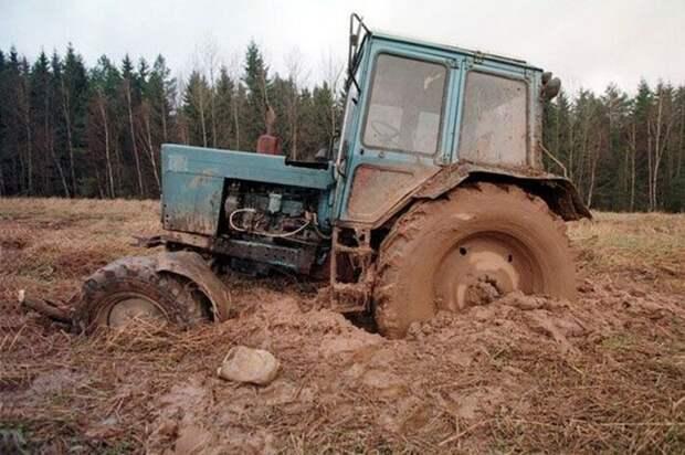 Вопрос на засыпку: почему у трактора задние колёса намного больше передних?