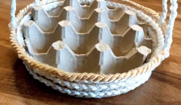 Изобретательный лайфхак с крышкой от торта, которым щедро поделилась рукодельница