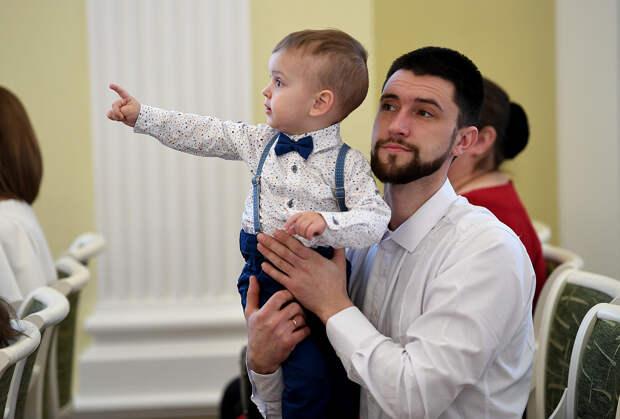 Молодые семьи Тверской области смогут обсудить вопросы психологии и образования