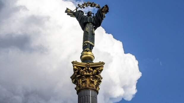 Политолог Лукьянов: Запад не разрешит Киеву иметь ядерное оружие