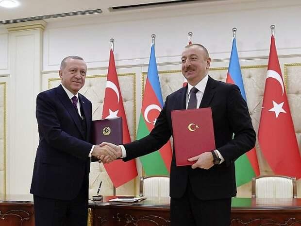 Алиев назвал признание Байденом геноцида армян исторической ошибкой и ударом по сотрудничеству с Ереваном