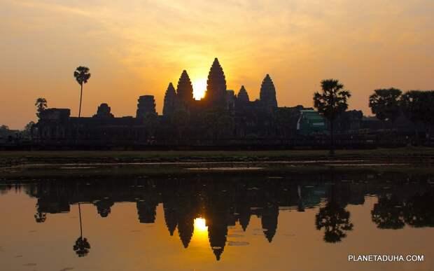 Анкор-Ват, Камбоджа - самый большой храм в мире