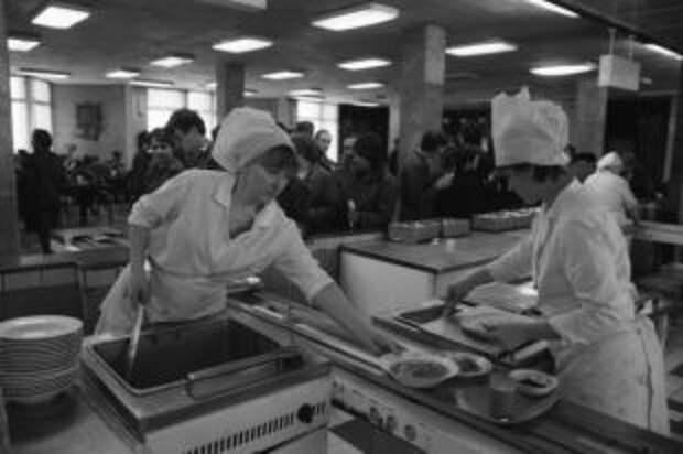 Манка и шанежки. Культовые рецепты советской столовой