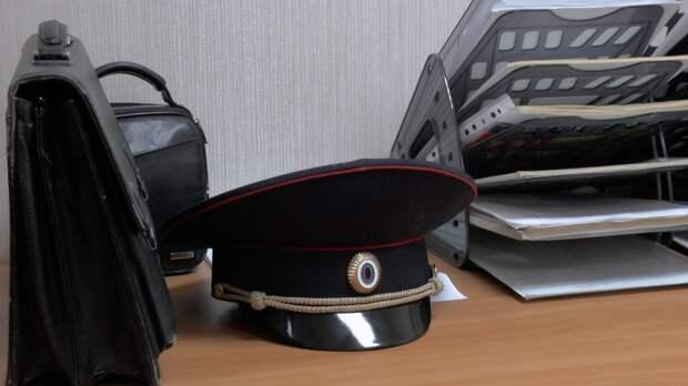 В Глазове осудили студентку за брошенный в полицейского стул