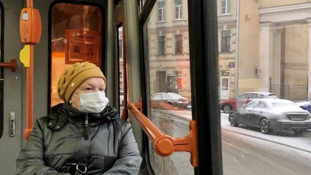 Неработающие жители Мурманской области старше 60 лет уйдут на самоизоляцию с 30 октября