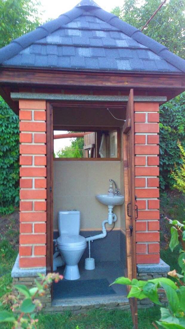 Туалет на улице — это ужасно? Не в этих случаях