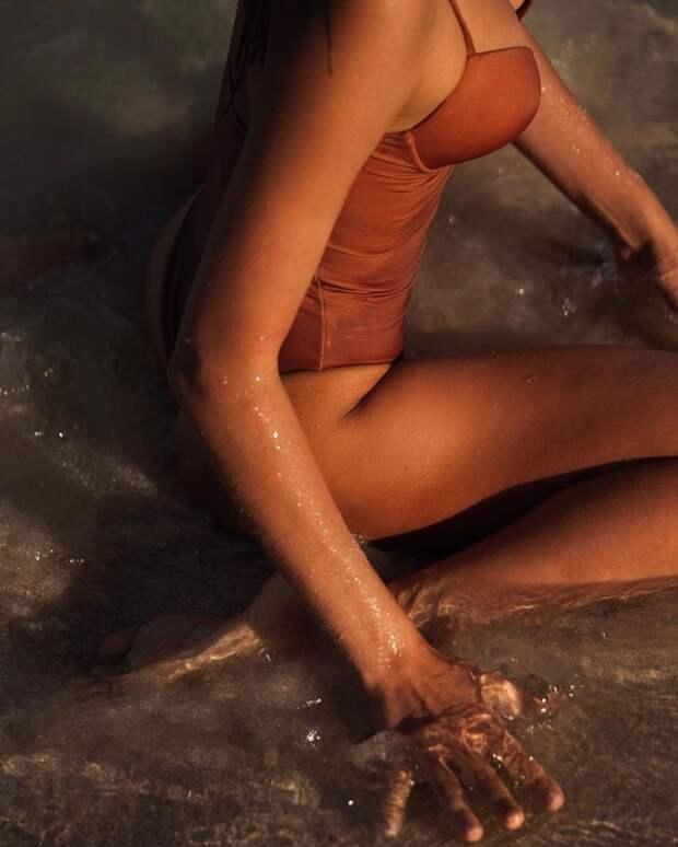 Самая горячая гимнастка мира устроила жаркую фотосессию в Дубае