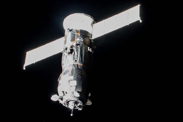 МКС потеряла ориентацию в пространстве во время тестирования
