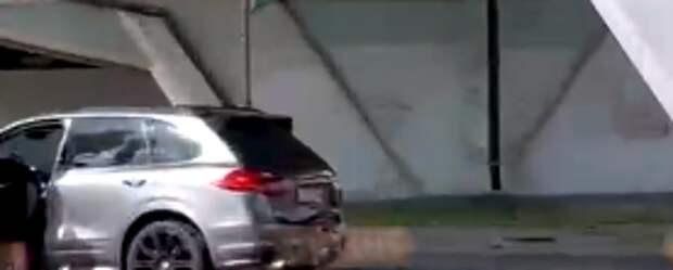 Участник аварии на Воротынской сбежал с места происшествия