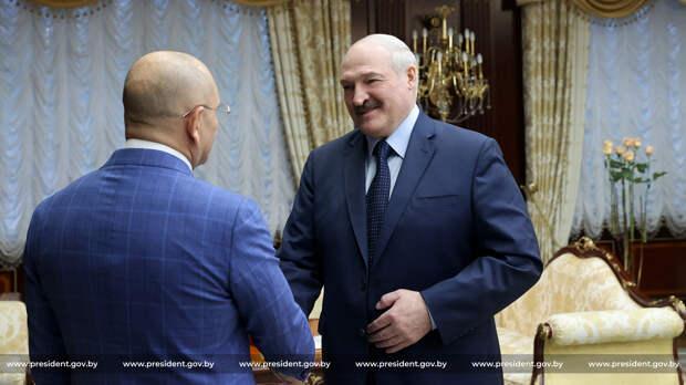 Конвульсии многовекторности: Зачем Лукашенко трубит о встрече с украинским депутатом